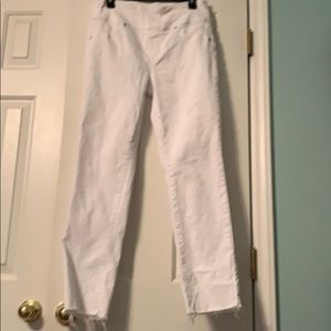White slimming jeans